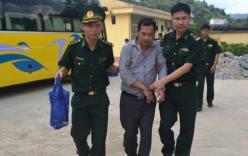 Bắt đối tượng vận chuyển 4 bánh heroin từ Lào về Việt Nam