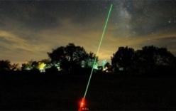 Công an Hà Nội điều tra việc máy bay bị chiếu tia laser