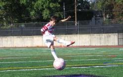 Cậu nhóc 12 tuổi sở hữu kĩ năng bóng đá như Kaka