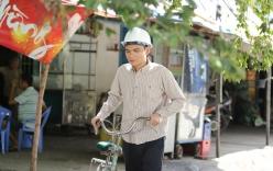 Khắc Việt làm công nhân bốc gạch, bán cá viên chiên, xe ôm để mưu sinh