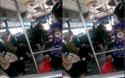 Clip nữ nhân viên xe buýt quát mắng vị khách lớn tuổi gây phẫn nộ
