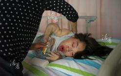 Hành trình làm mẹ xúc động của người phụ nữ mắc bệnh giòn xương