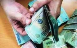 CSGT truy tìm chủ nhân bọc tiền trên QL 1A
