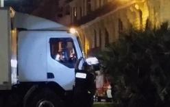 Video khoảnh khắc cảnh sát bắn chết kẻ lái xe tải khủng bố ở Pháp