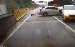 Xe buýt tông nát hàng loạt xe con phía trước, 4 người thiệt mạng