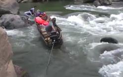 Nín thở xem thuyền gỗ vượt thác ghềnh hiểm trở Nậm Nơn