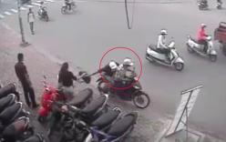 Cướp giật bất thành vứt xe bỏ chạy, quay lại xin xe thì bị bắt