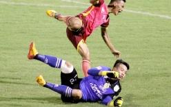 Pha vào bóng ghê rợn của thủ môn Bửu Ngọc với cầu thủ Sài Gòn