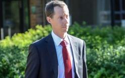 Thầy giáo bị án treo 3 năm vì xâm hại nữ sinh Anh được tuyên án vô tội sau 26 phút