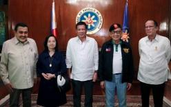 5 đời tổng thống Philippines họp bàn về tranh chấp với Trung Quốc