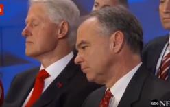 Video: Bill Clinton ngủ gật trong bài phát biểu của vợ ở đảng Dân chủ