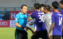 Trọng tài FIFA bị treo còi, Khánh Hòa không được đá lại