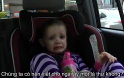 Bé gái 4 tuổi bật khóc nức nở khi ông Obama sắp mãn nhiệm