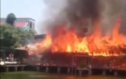 Nhà hàng bên sông ở Bắc Ninh bốc cháy dữ dội