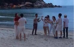 Lộ ảnh đại gia kim cương tặng hoa Hồ Ngọc Hà bên bãi biển