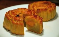 Cách làm bánh trung thu nhân đậu xanh đơn giản nhất tại nhà