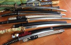 Phát hiện nhiều vũ khí nguy hiểm trong kho hàng tạp hóa tại Cần Thơ