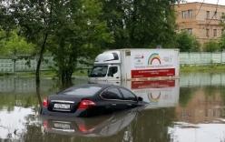 Mưa lớn kỷ lục nhấn chìm thủ đô Moscow của Nga