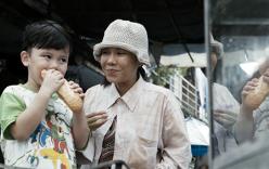 Rơi nước mắt với clip cảm động về mẹ của Việt Hương trong lễ Vu Lan