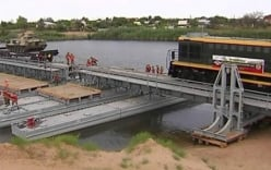 Xe lửa bọc thép vượt sông Volga