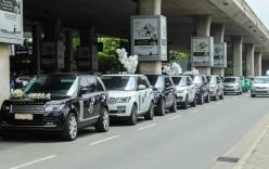 """Đại gia Minh """"Nhựa"""" lái dàn siêu xe Land Rover ra sân bay đón vợ"""