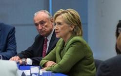 Hillary Clinton lại gặp bê bối rò rỉ email và tiền từ thiện