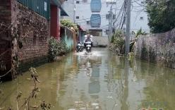Bão qua gần 1 tuần, hàng trăm hộ dân Hà Nội vẫn ngập trong biển nước