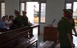 Video: Con gái nạn nhân đòi đánh hung thủ