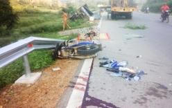 Tin tai nạn giao thông mới nhất 27/8: 2 nữ sinh bò ra từ gầm xe tải