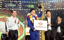 Học trò Trấn Thành bị chỉ trích vì dùng ảnh ca sĩ Hàn đặt trên bàn thờ