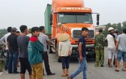 Tin tai nạn giao thông mới nhất ngày 1/9: Rúc gầm xe container, thanh niên tử vong