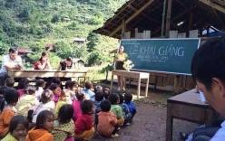 Hình ảnh lễ khai giảng của trẻ em vùng cao khiến nhiều người suy ngẫm