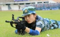 Nữ sinh Trung Quốc xinh như hotgirl trên thao trường quân sự