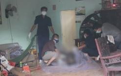 Phát hiện cặp vợ chồng nằm chết trên vũng máu tại nhà riêng
