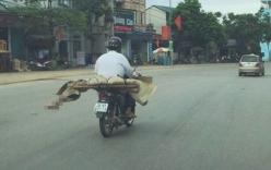 Chia sẻ nhói lòng của người anh chở thi thể em gái bằng xe máy