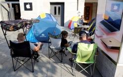Khổ nhục kế xếp hàng khi mua iPhone 7
