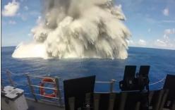 Tàu chiến Mỹ trơ mình trước sức công phá của 4,5 tấn thuốc nổ