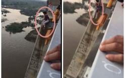 Bất chấp can ngăn, người phụ nữ nhảy cầu tự tử tại Hải Phòng