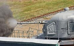 Tàu tên lửa Nga tác xạ pháo hạm AK-176