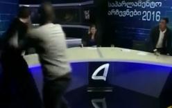 Video: Ứng viên quốc hội đấm vào mặt nhau ngay trên truyền hình