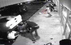 Video: Hai cảnh sát mặc thường phục bắn nhau đẫm máu vì tưởng gặp cướp