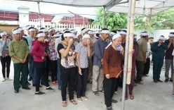 Đám tang đẫm nước mắt của 4 bà cháu bị sát hại ở Quảng Ninh