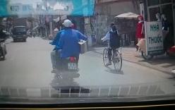 2 thanh niên xe máy đi ẩu, đẩy nữ sinh lao vào hông xe tải