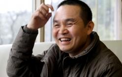 Nghệ sĩ Xuân Hinh tặng iphone cho khán giả