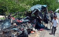 Lật xe tải chở công nhân gần biên giới, 54 người bị thương