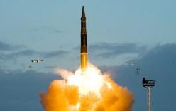 Tên lửa liên lục địa Topol-M của Nga khai hoả