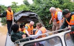Video: Giải cứu 132 du khách tàu SE19 mắc kẹt trong mưa lũ miền Trung