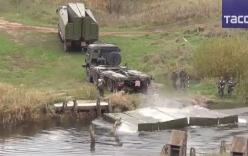 Video: Xem tên lửa RS-24 Yars Nga vượt sông bằng cầu phao