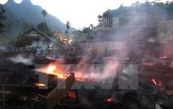 11 nhà sàn gỗ quý của đồng bào dân tộc ở Hà Giang bị thiêu rụi