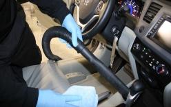 Cách tự vệ sinh và khử mùi nội thất ôtô đơn giản mà hiệu quả